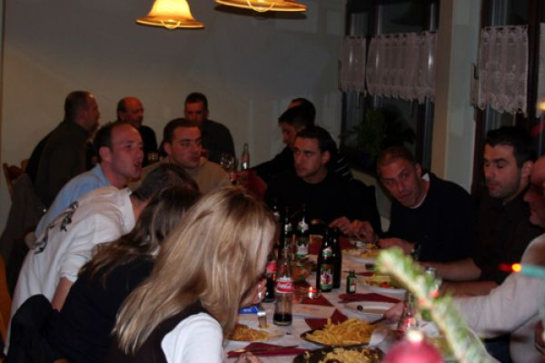 weinachtsfeier-2007-46829EAB7-5C8A-A592-F860-D67CF2A32DE6.jpg